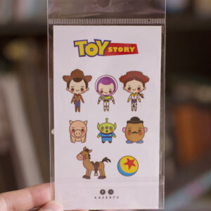 set de ocho stickers toy story primer plano, fondo blureado