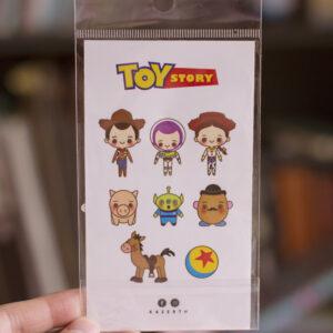 set de ocho stickers toy story primer plano, fondo blureado