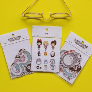 set de tres stickers en fondo amarillo tematica ghibli studio