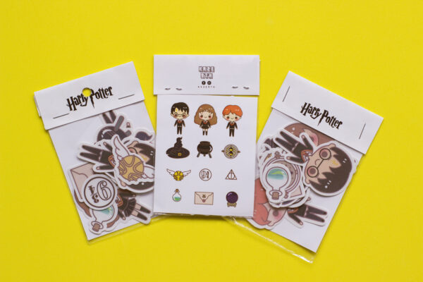 fondo amarillo set de 3 stickers de harry potter