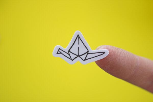 fondo amarillo sticker origami grulla