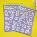 fondo amarillo stickers lovely cats dos unidades flor blanca